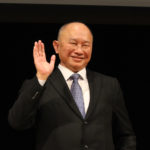ジョン・ウー監督サプライズ来日!『追捕 MANHUNT』主演の福山雅治を絶賛!
