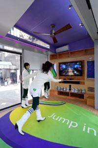 bXbox-360-Kinect-体験キャラ.jpg