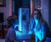 ネットで1億5000万回再生された恐怖映像が映画化!『ライト/オフ』8月27日(土)より日本公開決定!